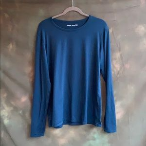 Outdoor Voices blue long sleeve stretch tee shirt